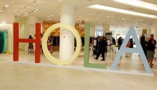 """Barneys New York And Simon Doonan Host Event In Support Of """"Hola"""" Heart Of Los Angeles"""