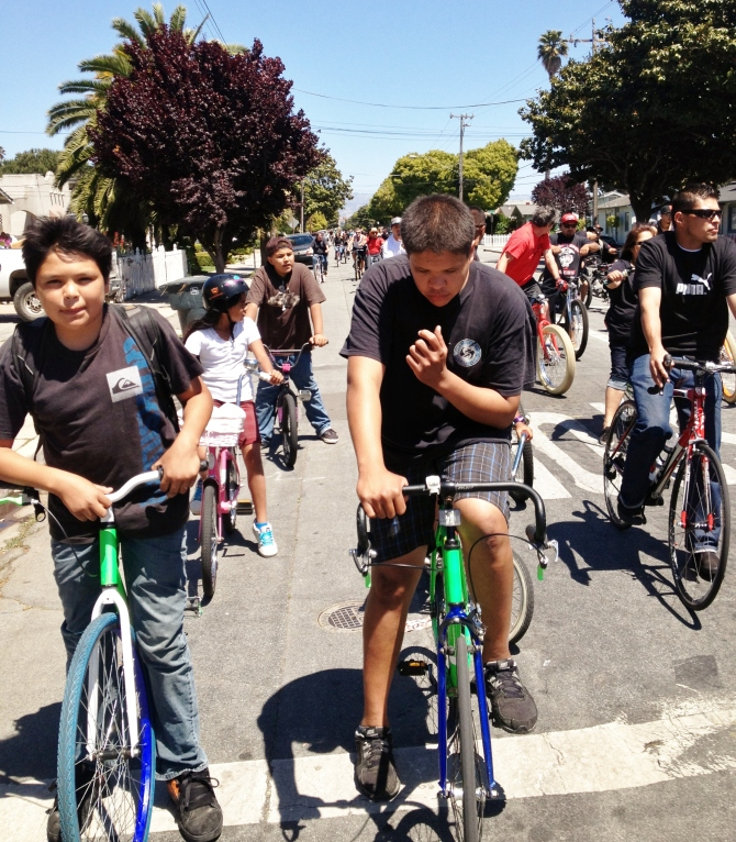 Burrito-Ride-5-19-13-Salinas-here-boys-at-the-lead