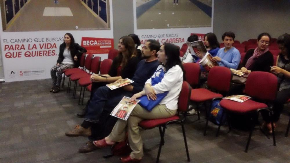 My North American Life (Intercultural Exchange Presentation at Universidad Autónoma de Chile) (5/6)