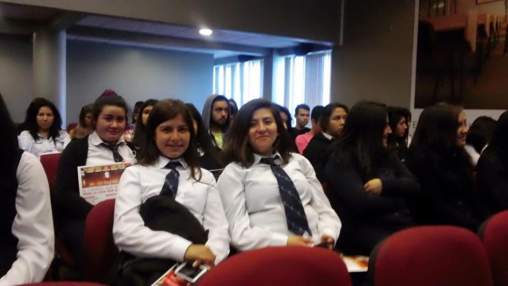 My North American Life (Intercultural Exchange Presentation at Universidad Autónoma de Chile) (4/6)